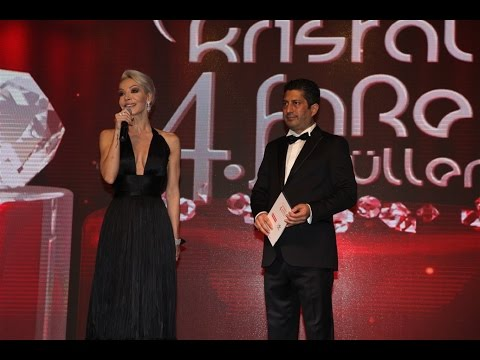 Türkiye'nin en iyi televizyon sunucusu Öykü Serter