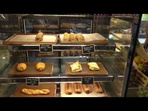 Bangkok, Asoke Rd. Sukhumvit soi 21, Coffee Shops & Hostels