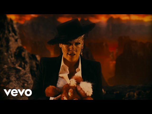 P!NK - All I Know So Far (Extended Version)