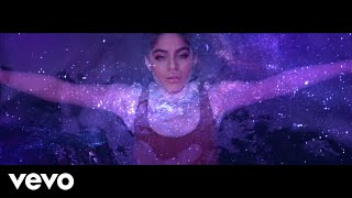 Jessie Reyez - LOVE IN THE DARK (Official Video)