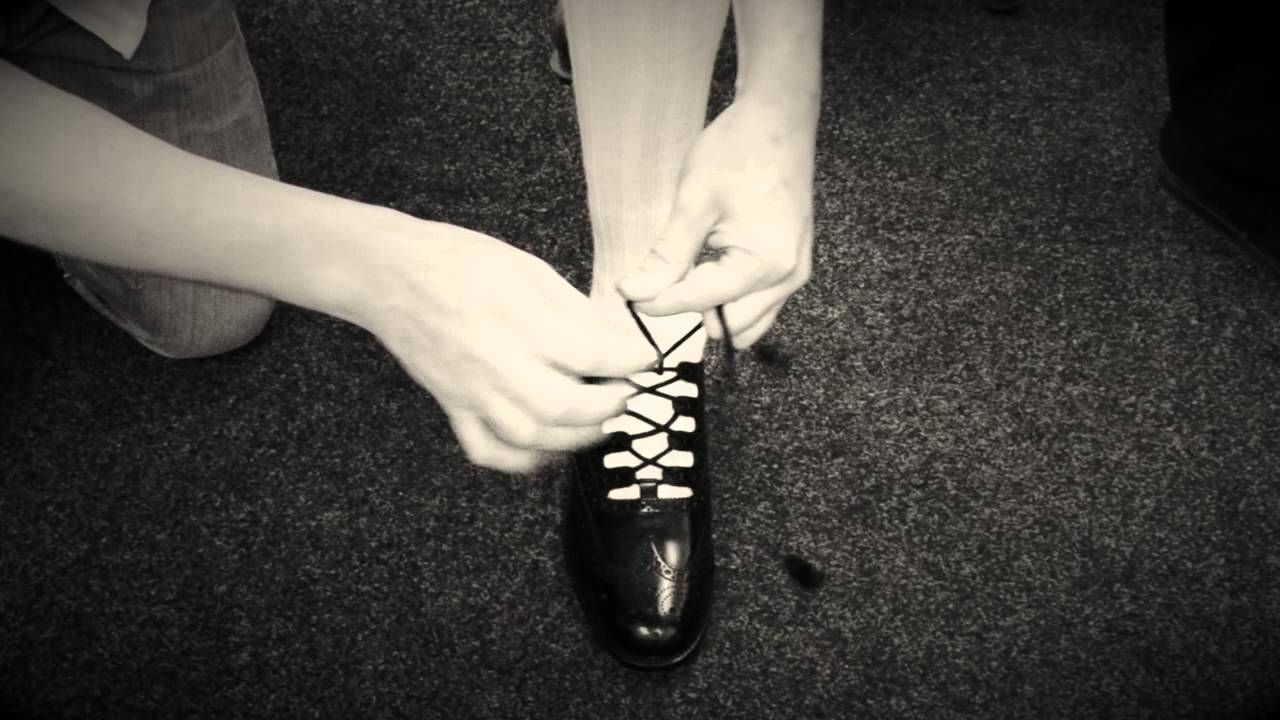 How to Tie Ghillie Brogue Laces - YouTube