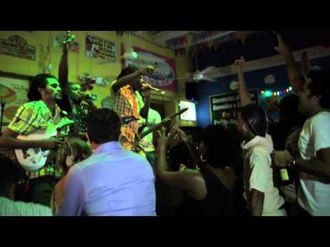 CHARLES KING / EL MARTILLO : AMPLIFICADO (CARTAGENA, COLOMBIA) EN VIVO