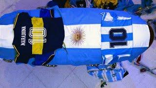 Tränen und Tumult an Maradonas Sarg