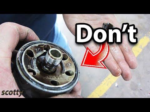 Jangan Pernah Melakukan Ini Saat Mengganti Oli Mesin Anda