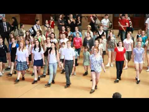 Sneaky Steppers and Tourism Ireland St Patrick's day Flash Mob (featuring Riverdance)