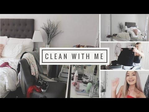 CLEANING MY ROOM!!