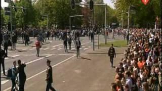 LIVE Beelden Ongeluk Koninginnedag 2009 - uitzending NOS - Eerste beelden - Uncut footage - [HQ]