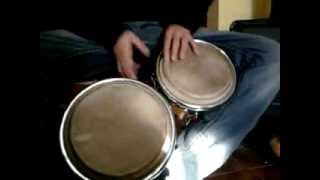 Aprendiendo a tocar bongos (principiantes).