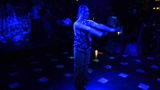 Потрясающий танец с элементами йоги!Арт -холл
