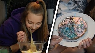 EXTREME COOKING WITH NO HANDS CHALLENGE!!! W/ Mia and Emma!