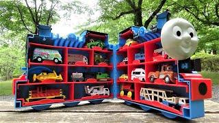 Big Thomas Carry Case & 17 Trains ☆#2 Japan Tomica,Disney Cars hide and seek!