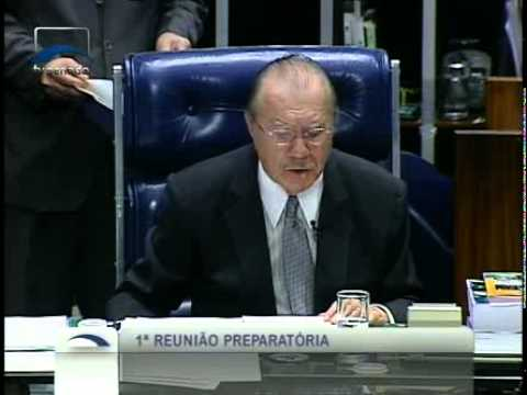 Senador José Sarney (PMDB - AP) se despede da presidência com discurso emocionado