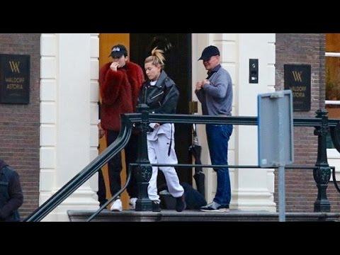 Kendall Jenner & Hailey Baldwin To Coffeeshop Boerejongens In Amsterdam