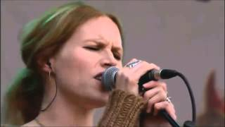 Manic Street Preachers & Nina Persson - Your Love Alone Is Not Enough (Glastonbury 2007)