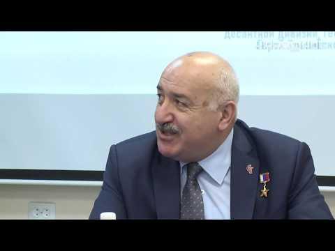 Герой России встретился с апатитскими школьниками