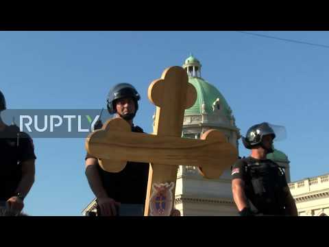 Serbia: Scuffles Erupt As Anti-LGBT Protesters Try To Block Pride Parade
