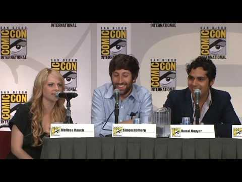 Howard and  Melissa  Rauch doing voice of Howard's Mom Jim mocking  comic con 201l