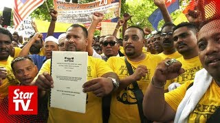 Cabbies protest outside PM's office