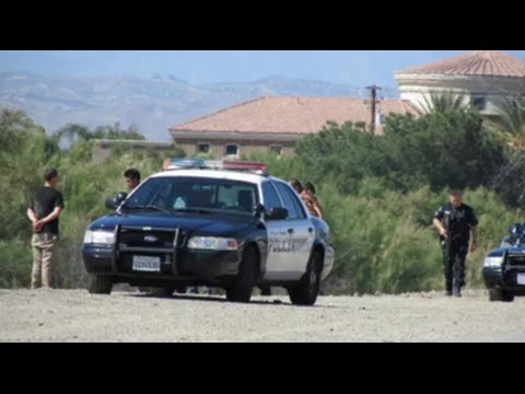 Hemet, CA: Hemet Police Respond to Report of Man Carrying a Rifle