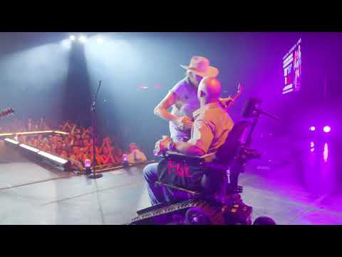 The Laurie DeYoung Show - Watch FGL Gift A Veteran With An All Terrain Wheelchair!