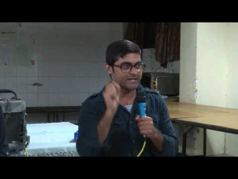 Abhinav Sinha speaks at a post-dinner Public talk at  Mahi-Mandavi Mess JNU on Aug 1, 2016