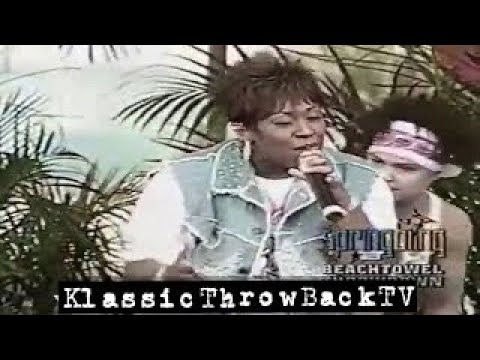 "Missy Elliott - ""Get Ur Freak On"" Live (2001)"