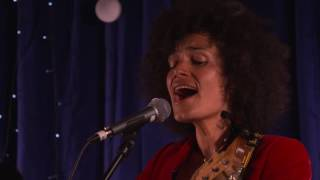 Andrea Kirwin and Band perform Tracy Chapman's 'Give Me One Reason', Live