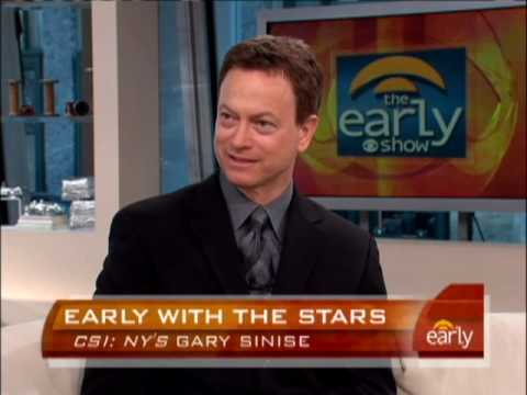 Gary Sinise Sings For Troops