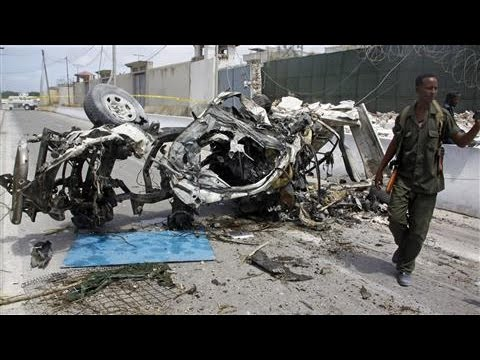 Suicide Bomber Kills at Least 10 in Somalia