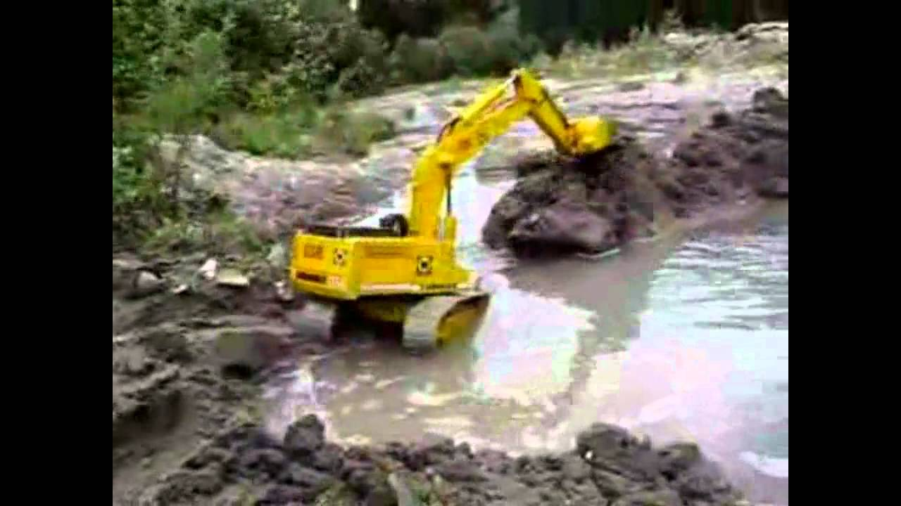 Rc Dozers Excavators And Loaders Dredging Rc Construction Youtube