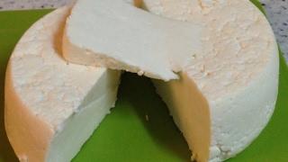 сыр домашний  на ферменте Meito (пепсине).Очень вкусный сыр из молока