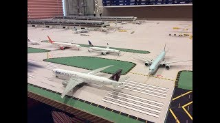 LHR London Heathrow 1:400 model airport afternoon operations