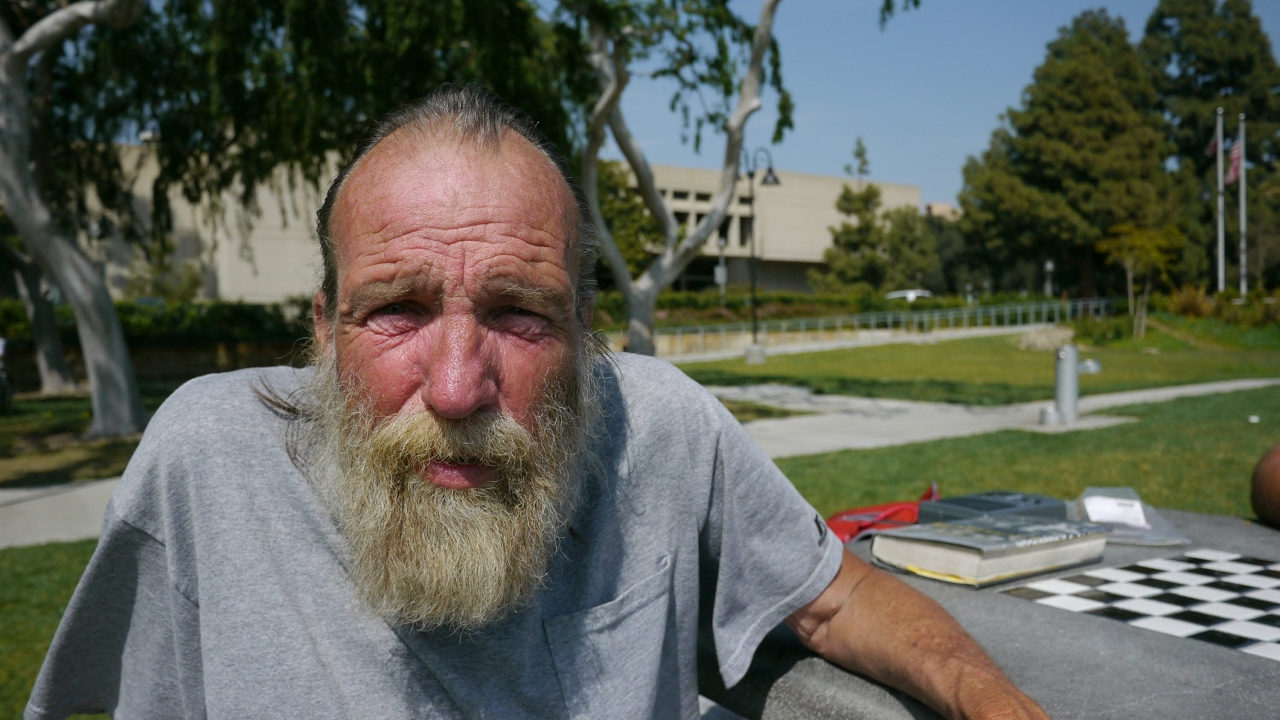 """elderly homelessness David filipov, """"once-homeless seniors give their thanks"""" boston globe: november 22, 2012 summary this recent article in the boston globe examines the unique circumstances of elderly people who find themselves homeless."""
