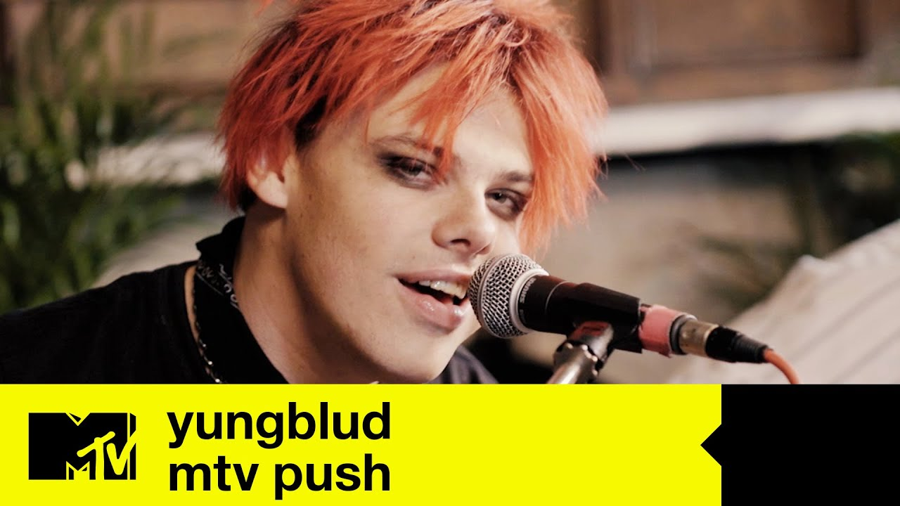 YUNGBLUD (Live) - 'Weird!' & 'Strawberry Lipstick' (Performance + Extended Interview) | MTV Push