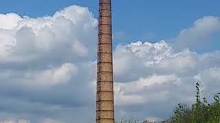Wyburzenie komina na cegelni w Wegrzynowie