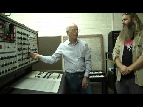 Synthi 100  Demonstration by Les Craythorn to Gotye, Robin Fox & Byron Scullin of MESS.