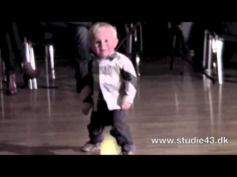 Download Amazing Video : Two Year Old Dancing to Jailhouse Rock : March 23, 2012
