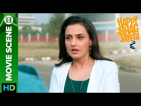 Momal Sheikh feels that Abhay Deol is cheating on her | Happy Bhag Jayegi | Movie Scene