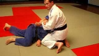 Judo turnover into ude garami