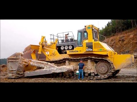 The Biggest Bulldozer In The World - Komatsu D575A Super Dozer