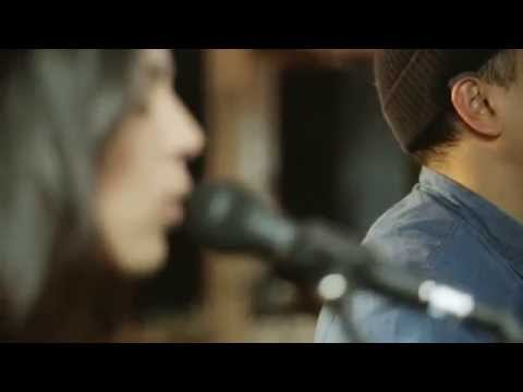 """Johnny Swim Performing """"Annie"""" W:Daryl Hall On Live From Daryl's House"""