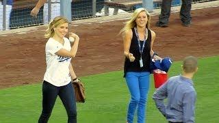 Sophia Bush Throws PERFECT 1st Pitch at Dodger Stadium 6-13-14