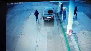 В Домбаровке местные жители пытались угнать автомобиль «ВАЗ-2107»