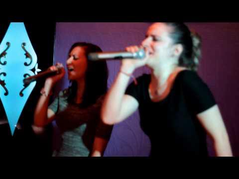 """Казваш, че ме обичаш"" live at Karaoke Bar Versus"