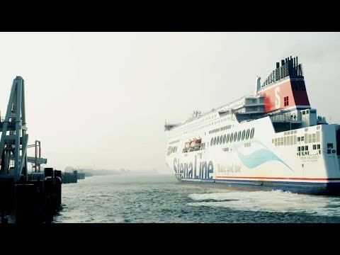 ABB's innovative shore power solution for ships in Rotterdam