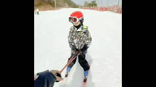 엘리시안강촌 스키장 꼬꼬마 형제들 열심히 스키강습 받고…