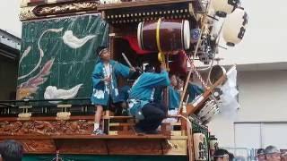 熊谷うちわ祭 本石区と仲町区の叩き合い.