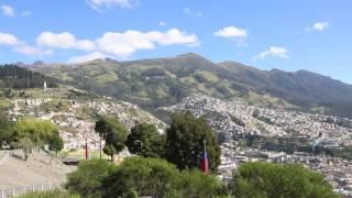 Equateur Quito Colline / Ecuador Quito Hill
