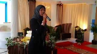 Malay Lady singing Mandarin Hits, Zheng Fu by Nan Ying