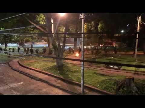 Policía Dispara a Manifestantes en el Barrio Junín